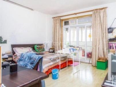 伊犁小区 1室 1厅 83平米