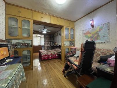 点晴苑 3室 2厅 130平米