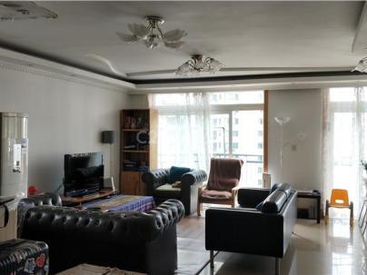 新华嘉利公寓 3室 2厅 158平米