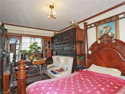 中园小区 1室 1厅 32.5平米