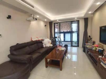 中环国际公寓一期 3室 2厅 126平米