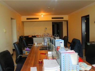 御景园 3室 2厅 193.57平米