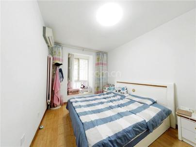 万年花城 3室 2厅 127.94平米