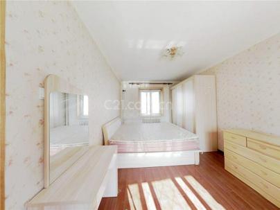 石榴园南里 3室 1厅 82.78平米