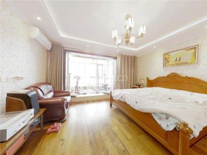 上地东里七区 5室 3厅 212.28平米
