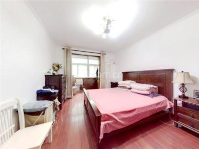 上地西里雅芳园 3室 2厅 135.6平米