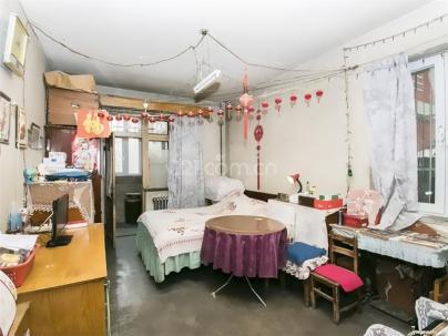 三里河一区 3室 1厅 83.5平米