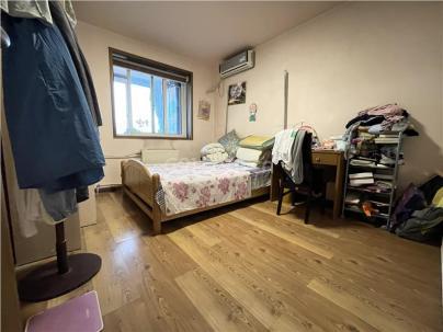 新康园 3室 2厅 174.93平米