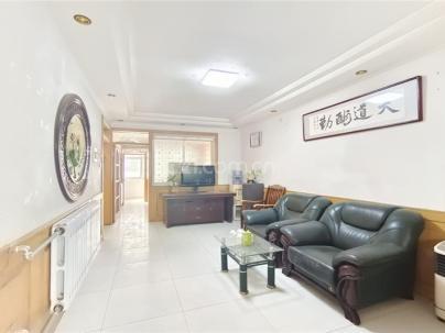 绿源果品公司宿舍(汽车站西) 3室 2厅 96平米