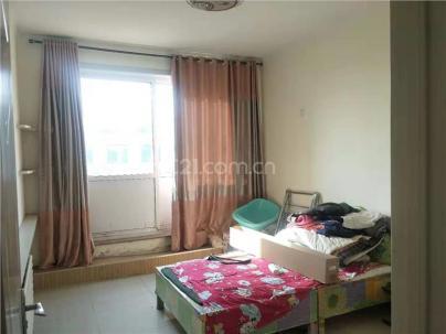 新四村(小产权) 3室 2厅 136平米