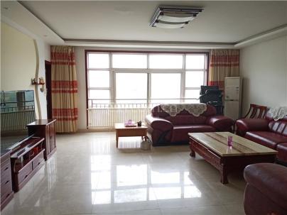 阳光花园一期 3室 2厅 168平米