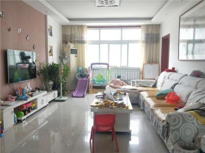 鲁中职业学院东区 3室 2厅 115平米