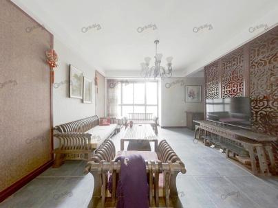 龙城铭园一期 3室 2厅 139.66平米