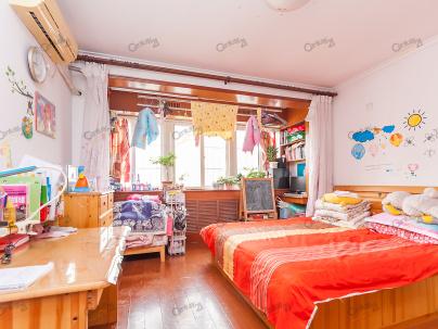 新岭花园一期 1室 1厅 52平米